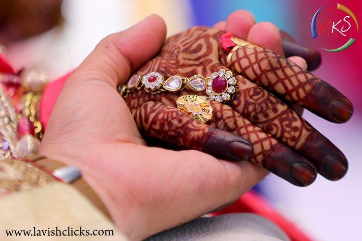 """🌺 Lavish Clicks """"Portfolio"""" album  #weddingnet #wedding #india #indian #indianwedding #weddingdresses #mehendi #ceremony #realwedding #lehenga #lehengacholi #choli #lehengawedding #lehengasaree #saree #bridalsaree #weddingsaree #photoshoot #photoset #photographer #photography #inspiration #planner #organisation #details #sweet #cute #gorgeous #fabulous #henna #mehndi"""