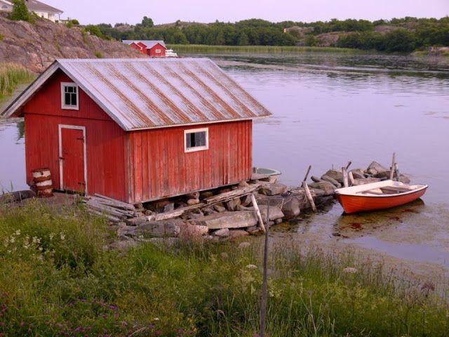 Exploring Kökar, Åland, boathouse