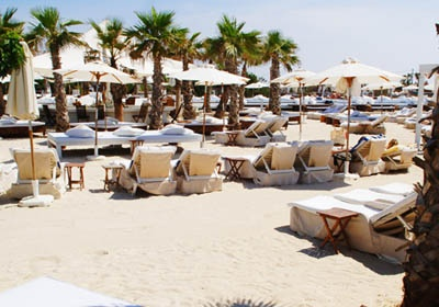 Nikki Beach Club in St. Tropez is relaxing and also crazy music with dancing beginning at 4:00 in the afternoon.