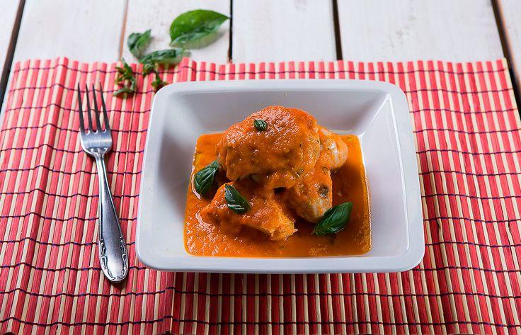 Κοτόπουλο με σάλτσα φρέσκιας τομάτας και βασιλικό