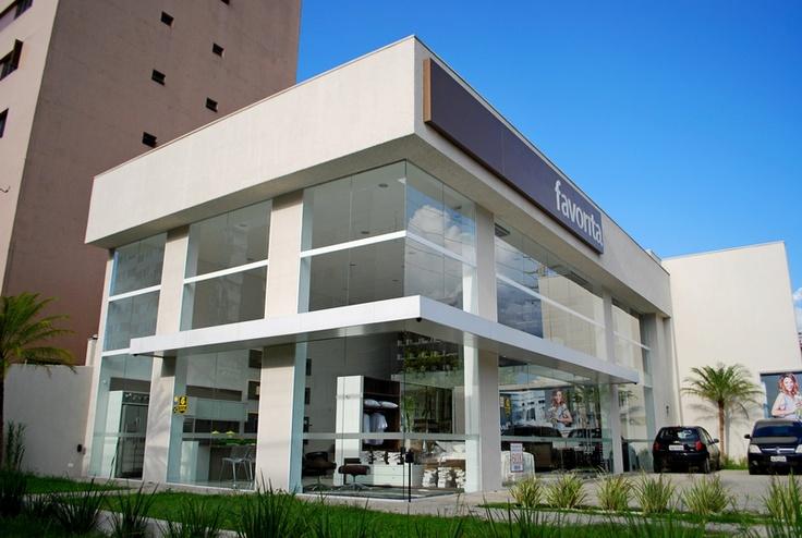Fachada produzida por COLA Design Comunicação Visual Curitiba PR