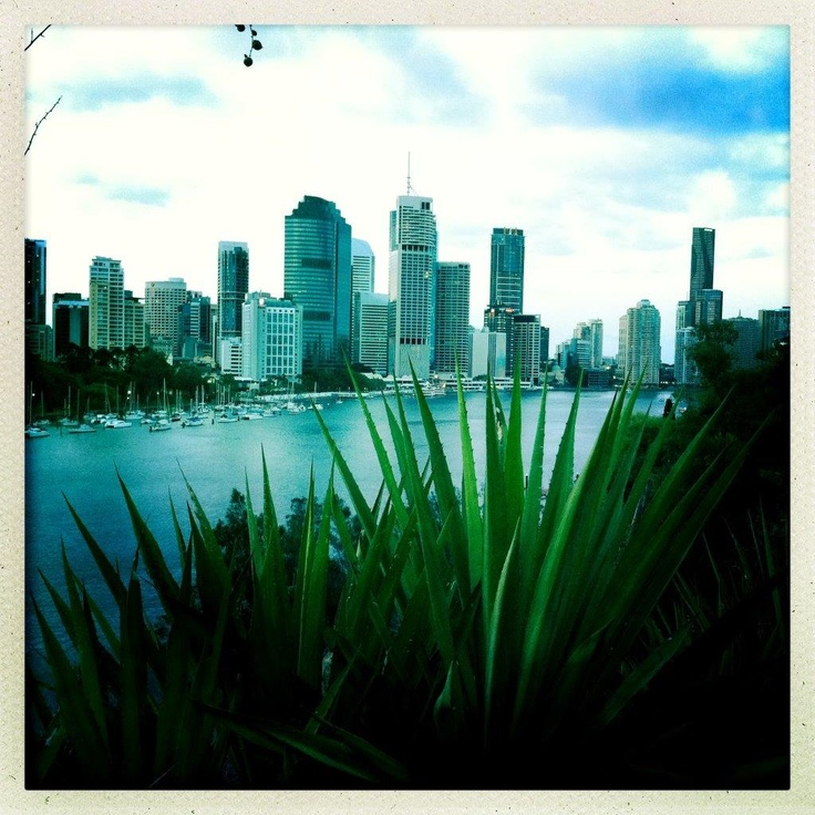 Brisbane City from Kangaroo Point cliffs.