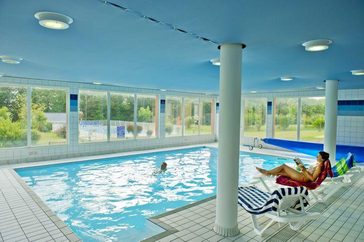 La piscine intérieur de la résidence du Golf à Carantec