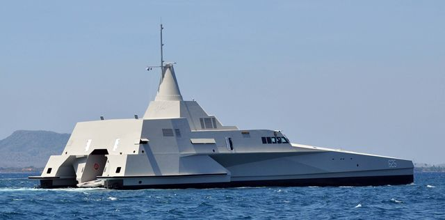 "The Fast Missile Patrol Vessel (FMPV) Trimaran was designed by North Sea Boats, an Indonesia based shipyard, with input from New Zealand and Swedish engineers as well as the Indonesian Navy. The vessel employs a modern ""Wave Piercing"" trimaran design and some ""stealth"" characteristics."