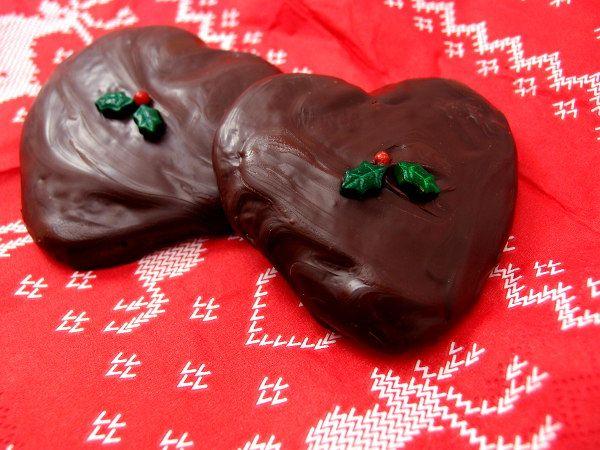 honninghjerter, honningkagehjerter, honningkager, julesmåkager, julekager, jul, kage, dessert, hvedemel, honning, potaske, æg, hjortetaksalt, kanel, nelliker, ingefær, chokolade, mørk chokolade