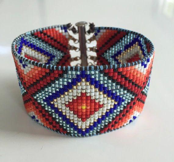 Découvrez Bracelet manchette style indien ethnique rouge et bleu  sur alittleMarket