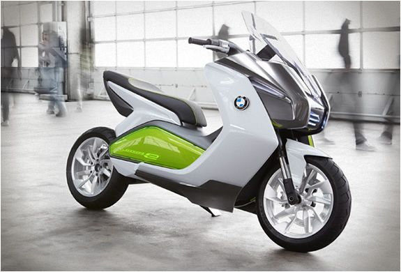 The e-Scooter designed by BMW, stands out for its innovative design, it has no mirrors, and is equipped with two cameras by the rear lights that tell the rider about what goes on in the back, through information available on two LCD screens. The BMW e-scooter has a range of 60 miles and a performance equivalent to a convencional motor scooter of 400-500cc.
