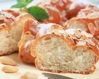 Brioche légère au yaourt 0% et amandes à moins de 200 calories