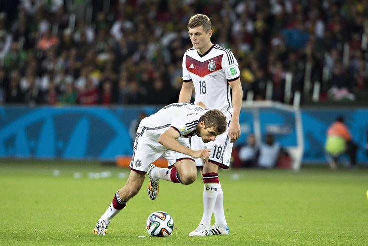 Müllers Slapstick-Freistoß gegen Algerien: Finte oder Fehltritt? - SPIEGEL ONLINE