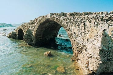 Argasi - The old bridge