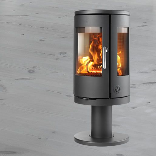 MORSØ 7448 – PEDESTAL Morsø 7400-series takes the best qualities of modern wood burning stoves and uses them to give the consumer a modern take on a classic design.