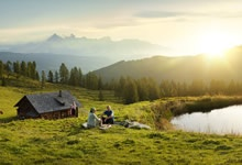 Pickinicking amidst beautiful meadows...    http://www.austria.info/us