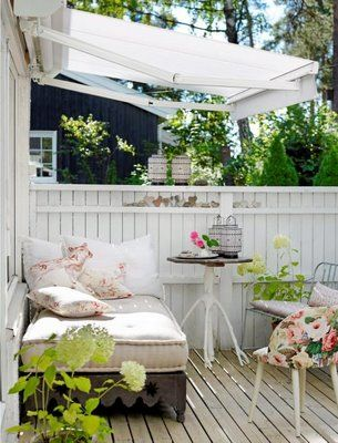 Pretty porch living.: Outdoor Beds, Decks, Outdoor Living, Shabby Chic, Lounges, Patio, Small Spaces, Porches, Outdoor Spaces