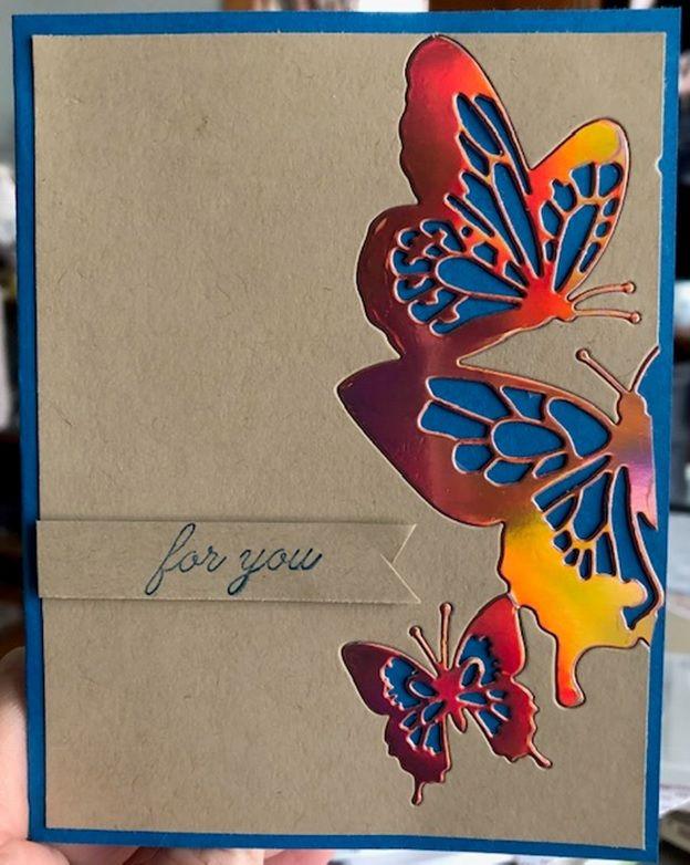 Бабочка из открыток