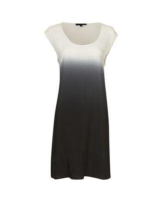 Is meer een rechte tuniek dan een jurk zoals op het plaatje, maar erg leuk met een ceintuur. In L besteld, hij viel klein.