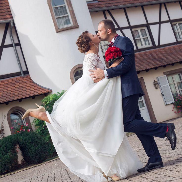 Wedding day photo shoot in Starsbourg. Photo and MUAH by @psarevaparis / Свадебная Фотосъемка на 12 часов в Страсбурге. Фото, Макияж, Прическа: @psarevaparis / #photoshoot à Strasbourg. Photo de: @psarevaparis e #jeunemariée #marié #photographie #photographedemariage #bouquet #robedemariage #wedding #bride #weddingphotography #weddingdress #weddingbouquet #свадьба #свадьбавпариже #свадьбавгермании #невеста #свадебноеплатье #свадебныйбукет #свадебныйфотограф #psarevaparis #psareva…