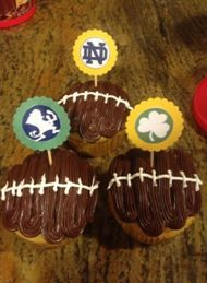 Notre Dame Game Day Cupcakes! Link to toppers!