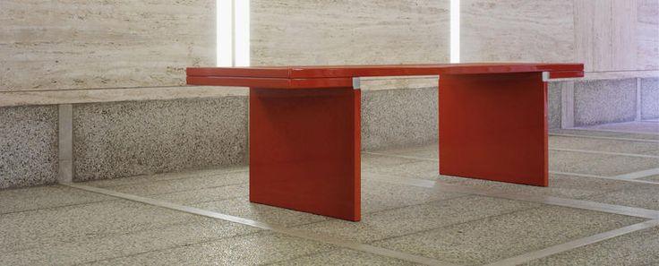ORSEOLO di Carlo Scarpaè un'icona dell'arredamento di design. Scopri i modelli e le caratteristiche dei mobili Cassina.