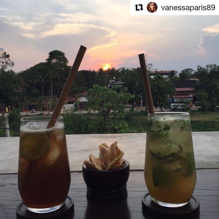 """Emozioni in diretta dalla Cambogia  Grazie a voi per averci scelto  #Repost @vanessaparis89 with @repostapp  """"Quando guardo un tramonto e mi emoziono non mi domando a che velocità gira la terra o a che distanza è il sole o quanto sono grandi... Amo quel momento. Punto. Non c'è da capire c'è da amare. #sunset #cambodia #siemreap - grazie Greta! @cambogiaviaggi new pics on Instagram"""