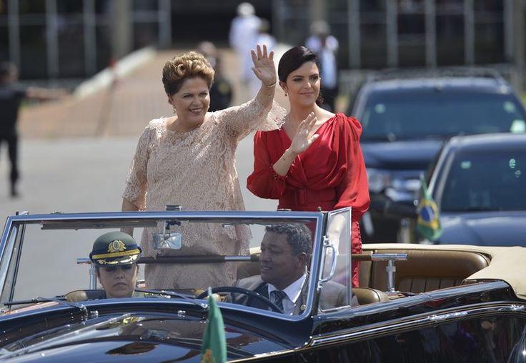 Discreta, filha de Dilma pouco aparece e tem salário de R$ 25 mil - Fotos - R7 Brasil