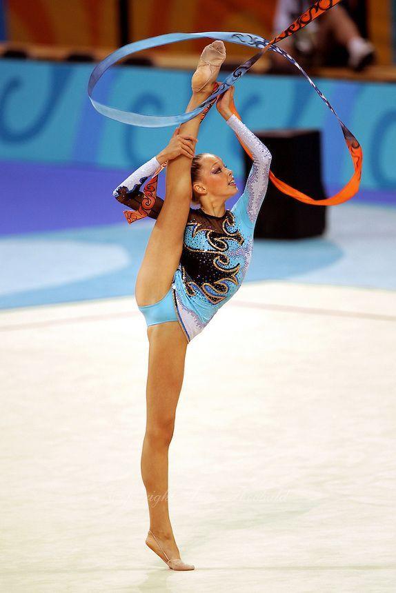 Dominika CERVENKOVA (CZE) Ribbon