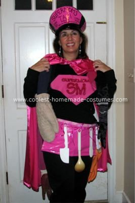 Need a hand? Call SUPERMOM ! Supermom on the Job! Every few years my dear friend Jenny hosts a themed costume party. This year the theme was Hero's and Leaders in honor of election