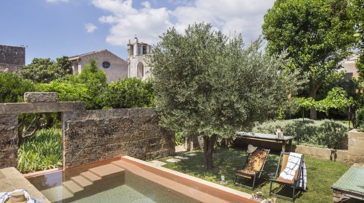Intown house for sale in Salento, 6 bedrooms, private garden and swimming pool -… – Italy house