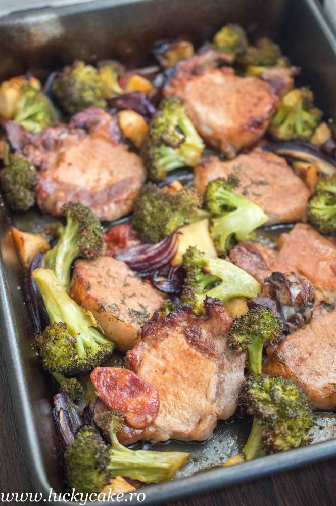 Pork chops in cider with broccoli