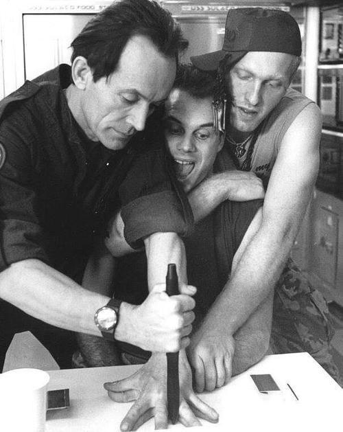 Aliens ( Lance Henriksen & Bill Paxton)