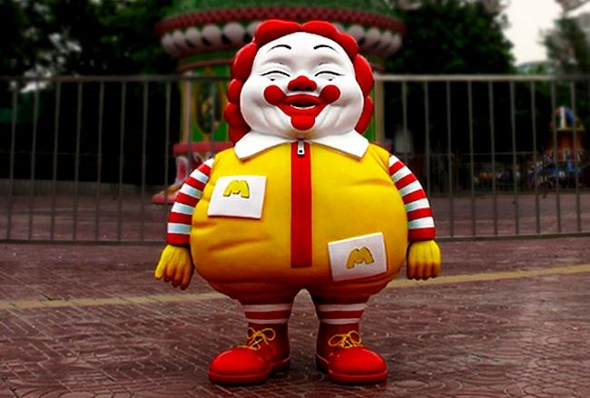 Il lato obeso e onesto dei loghi alimentari