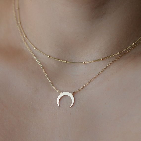 Beautiful and minimal double horn necklace..  ★ Available in 14k yellow or rose gold filled (wont tarnish) or sterling silver.  ★ Photo shows 17