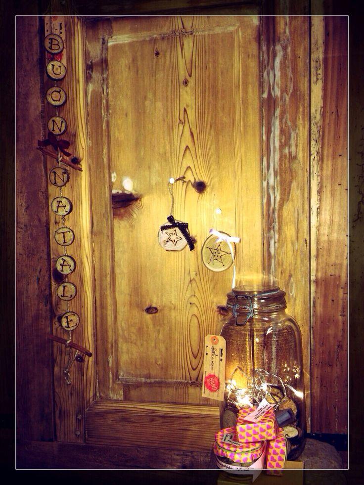 Antique italian Jars - lights - wood - cinnamon #Christmas decor. We love wood #fattoamano @iladony  monica@pairone.it