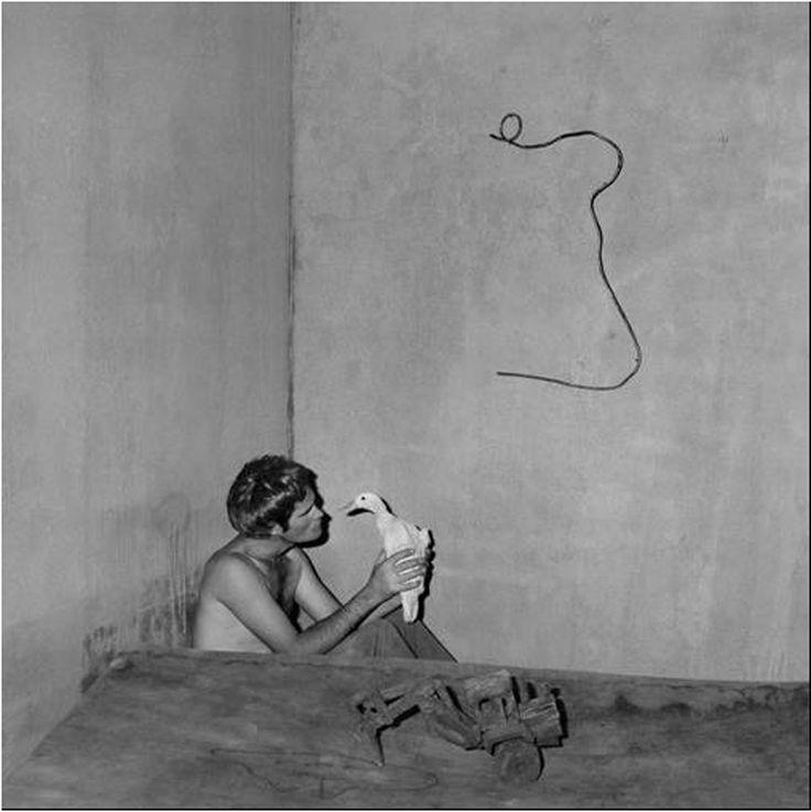 Roger Ballen / boarding house, contemplation, 2008