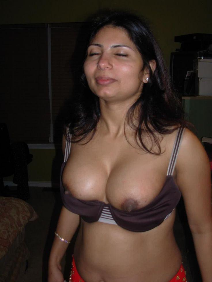 arab hot girls boobs