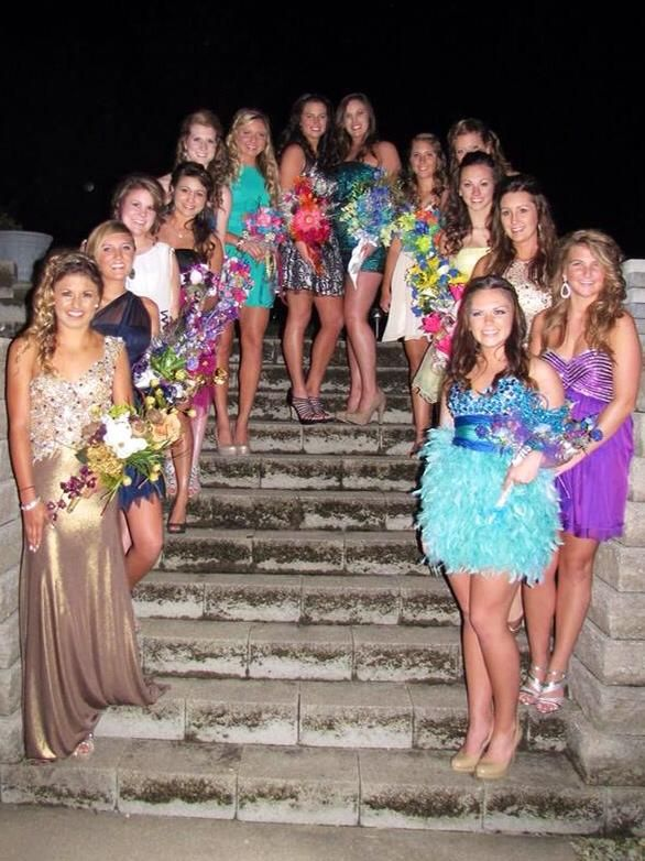 Homecoming group picture.