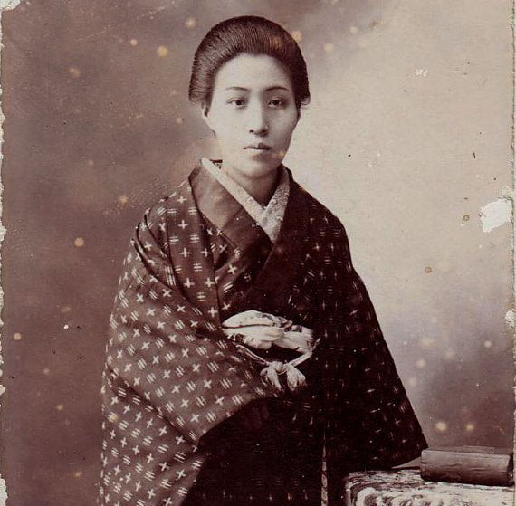 japanese woman with kimono early 1900