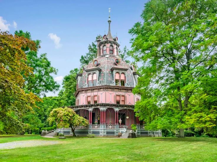 Stop Everything, check out a Life-sized Victorian Dollhouse for Rent - I'll admit it's a completely delusional exercise, but I do it anyway,staring wide-eyed at dreamy historic homes where I could act out my own Daphne du Maurier novel. Today's property du jour, found wandering the internet, is aNational Historic Landmark,a unique octagon-shaped and domed Victorian style house known as the Armour–Stiner House.