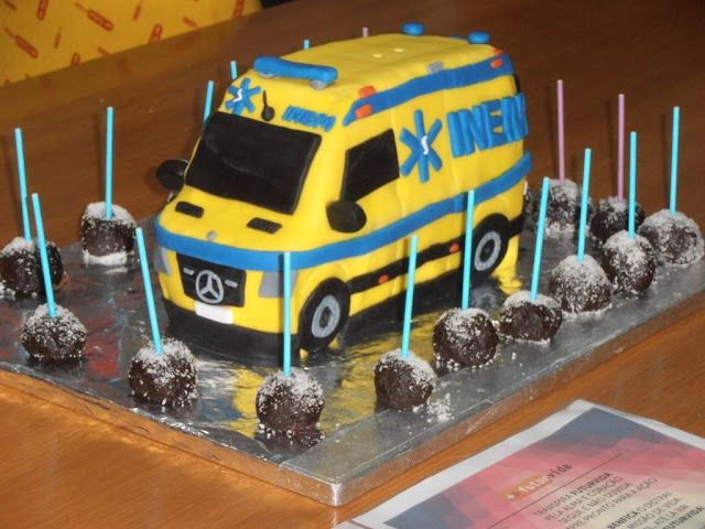 instructions for making an ambulance cake