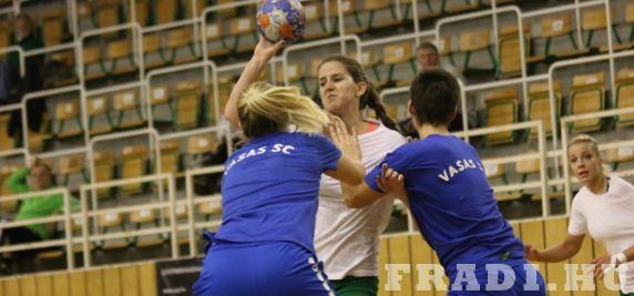 A legjobb edzés - Válogatottjai távollétében a Vasas ellen játszott felkészülési meccset női csapatunk, a végeredmény 30-30 lett.