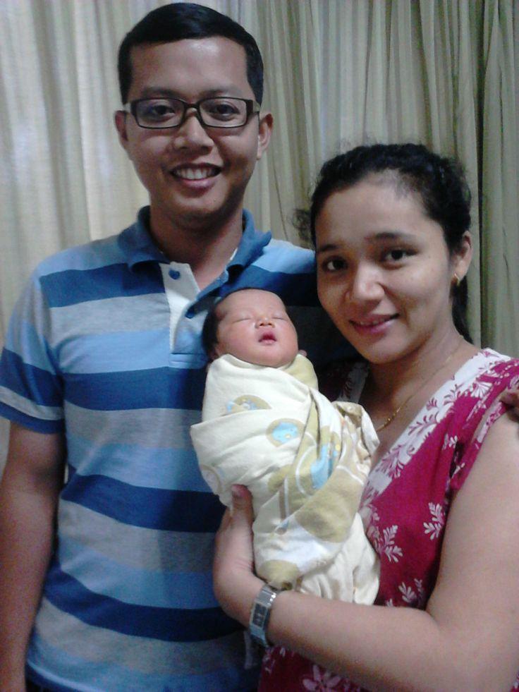 Terima Kasih kepada Bpk. Toni Haryanto dan Ibu Heniatul Khanifah beserta Keluarga, Kami dari Look@MyBaby Turut Berbahagia atas Kelahiran Putri pertamanya yang bernama Autena Azkya Jasmine.