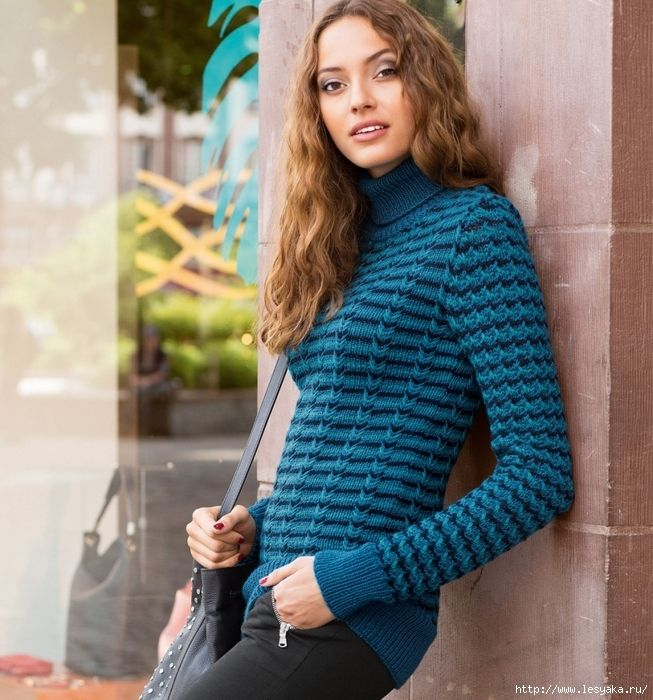 свитер с узором из снятых петель