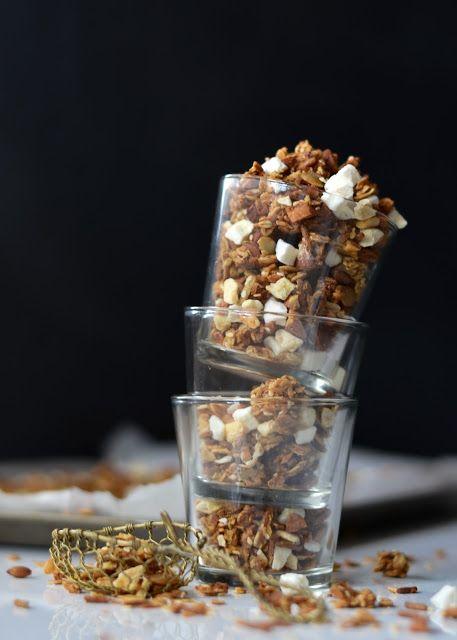 Tropical Kitchen sink Granola   #vegan #healthy #breakfast