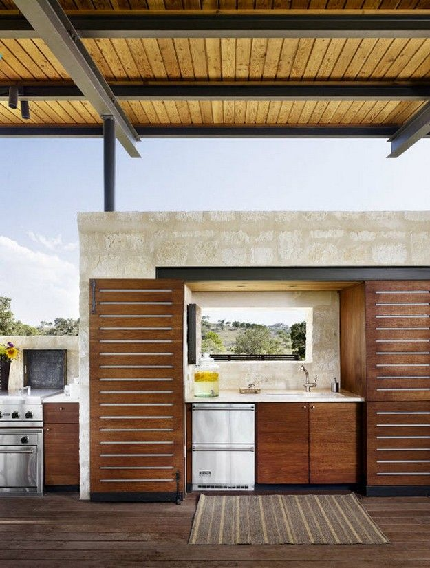 Outdoor Kitchen on the Patio