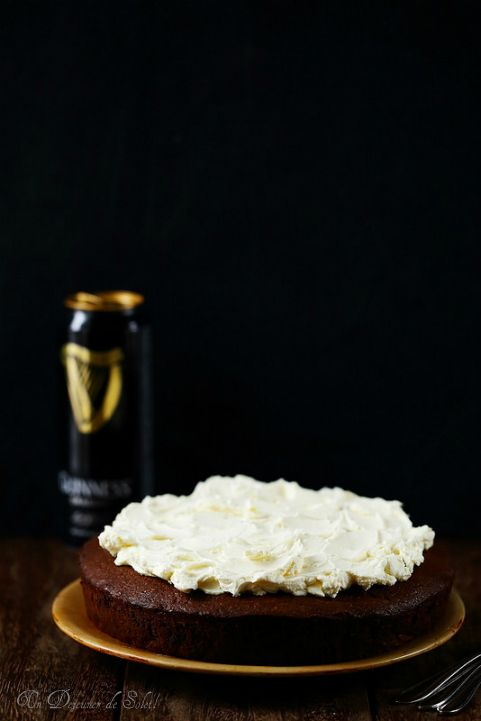 Gâteau au chocolat et à la bière Guinness (Guinness chocolate cake) ©Edda Onorato