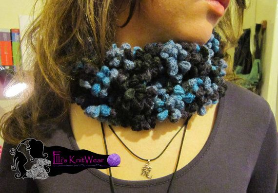 Rounded Flower Scarf by EllisKnitwearShop on Etsy