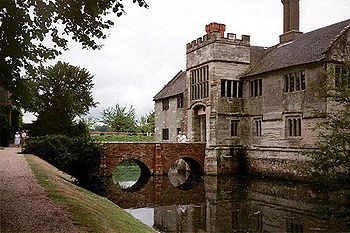 The moated house of Baddesley Clintion, located just north of the historic town of Warwick in the English county of Warwickshire, was probably established sometime in the 13th century. In 1438, John Brome, the Under-Treasurer of England, bought the manor.