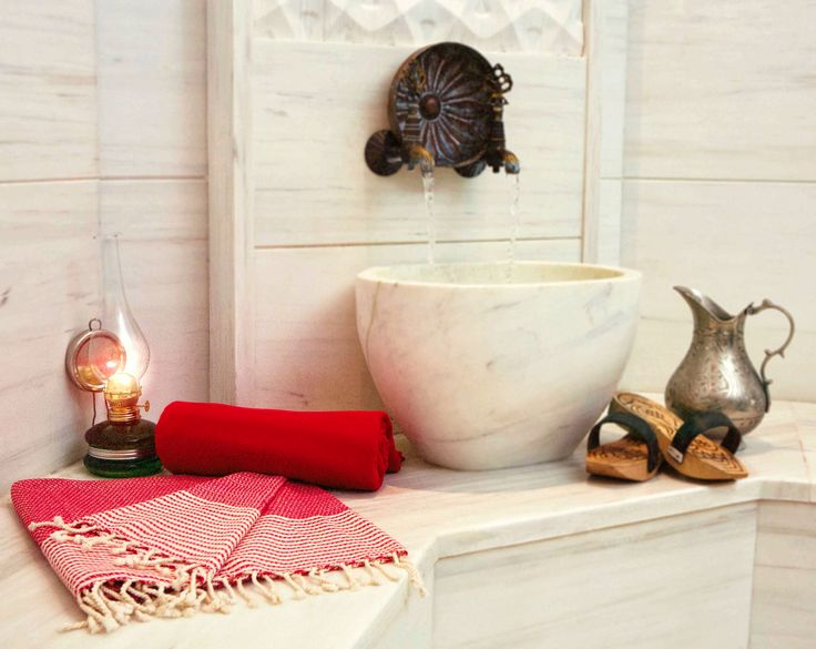 100% Cotton Seljuk Turkish Bath Towels are light, highly absorbent and decorative with different color options.
