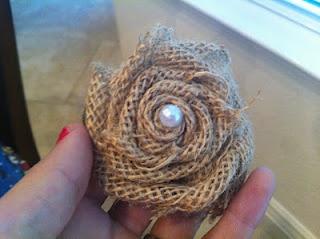 DIY: burlap rosettes tutorial