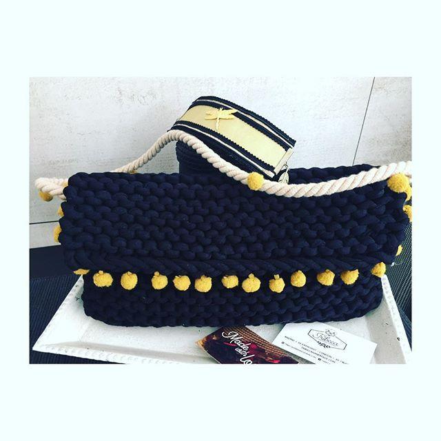 En #Tribeca ya estamos trabajando de cara a la primavera 2016! #bolso #brazalete #bolsodetrapillo #bracelet #bag #knitbag #knityarn #madewithlove #handmade #shop #madrid #london #complementos #accessories #apparel