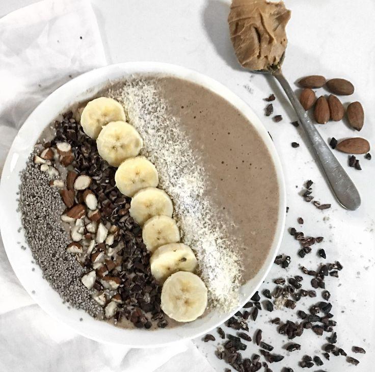 Peanut Butter Choc Protein Smoothie Bowl || Recipe